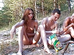 Russian Nudists (Happy kinsfolk..