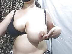 Indian Milf Measure Their way..